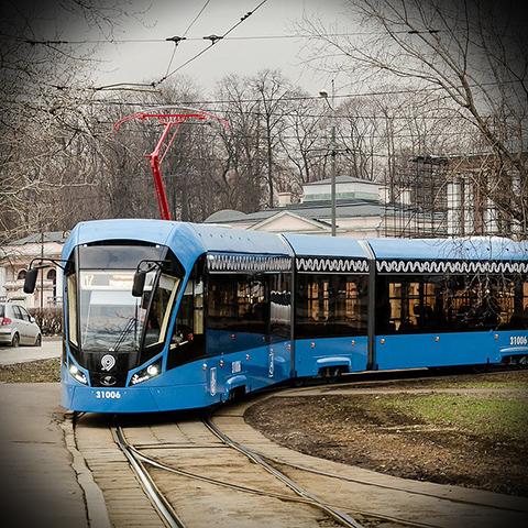 На трамвайных путях Москвы начали использовать пластиковые шпалы